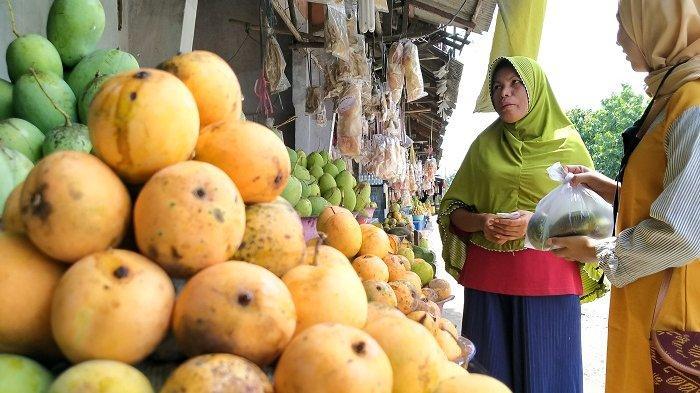 Omzet Pedagang Mangga di Indramayu Anjlok Drastis Akibat Pandemi Covid-19, Sampai Tidak Laku