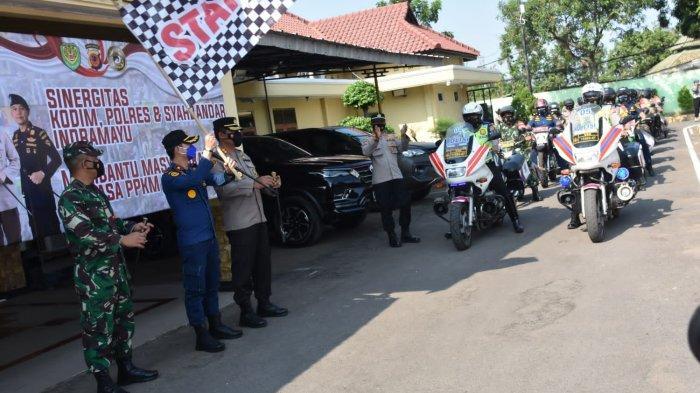 Seribu Paket Bansos Dari TNI-Polri dan Syahbandar Disalurkan ke Warga Terdampak PPKM di Indramayu