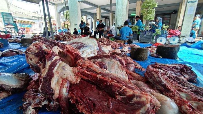 Daging Kurban Melimpah di Desa Sukaurip Indramayu, Dibagikan ke Warga, Fakir Miskin Ada Tambahan