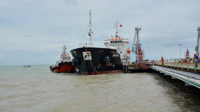 Perairan di Jetty Propylene Kilang Balongan Indramayu Dikeruk, Agar Distribusi BBM Bisa Maksimal