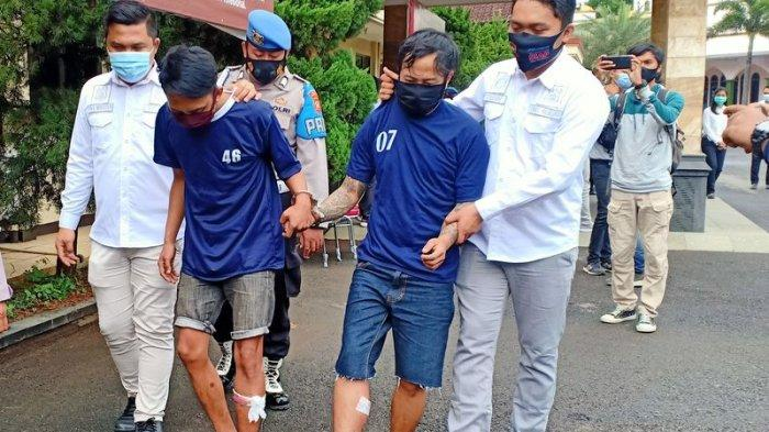 Dua Perampok Sangar Bawa Golok, Rampok SPBU yang Sepi, Akhirnya Terpincang-pincang Ditembak Polisi