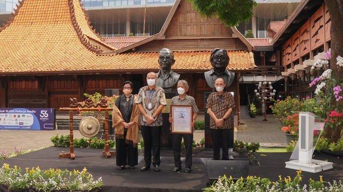 Patung Perintis KG Diresmikan di Bentara Budaya Jakarta, Hasil Karya Cipta Seniman Azmir Azhari