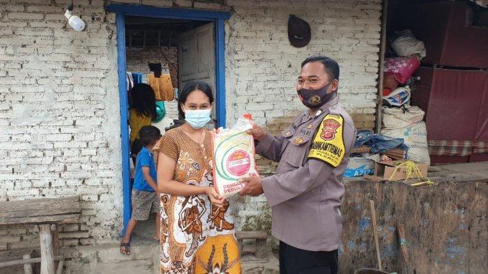 Polresta Cirebon Salurkan 200 Paket Sembako ke Warga Terdampak Pandemi Covid-19 di Dua Desa
