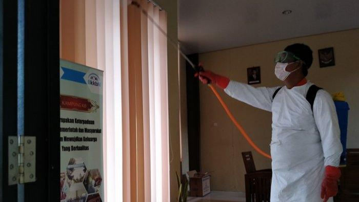 Waspada Penyebaran Virus Corona, Sejumlah Ruang Publik di Indramayu Disemprot Cairan Disinfektan