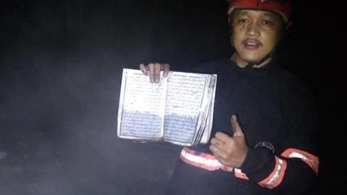 Ajaib, Al-Quran Tidak Hangus Terbakar Saat Kebakaran Hebat Lalap Rumah di Tanjungsari Sumedang