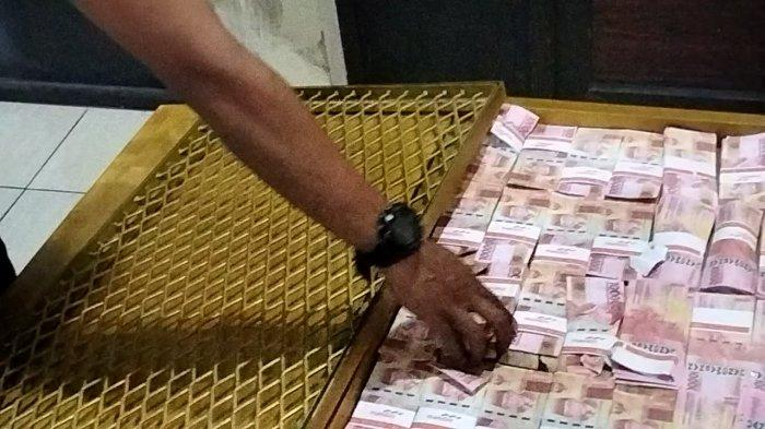 BREAKING NEWS Polres Kuningan Amankan Sekoper Uang Palsu yang Digunakan untuk Penggandaan Uang
