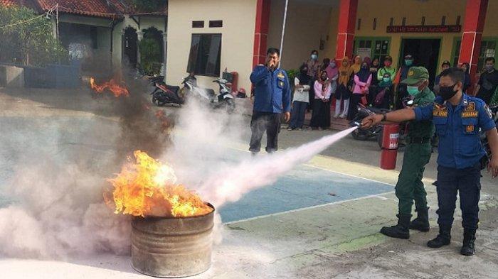 Jangan Panik Begini Tata Cara Padamkan Api Saat Terjadi Kebakaran dari UPT Damkar Kuningan