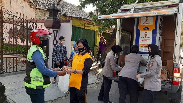 Operasikan ATM Beras Keliling, Polresta Cirebon Bantu Warga Terdampak Pandemi Covid-19