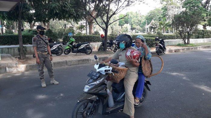 Akses Masuk ke Kompleks Pemkab Cirebon Dibatasi, Warga yang Tak Pakai Masker Bakal Ditegur