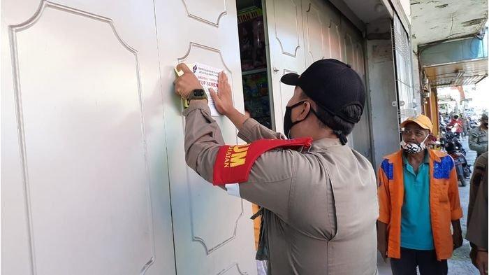 Nekat Beroperasi Saat PPKM Darurat, 9 Toko di Kota Cirebon Langsung Disegel Satpol PP