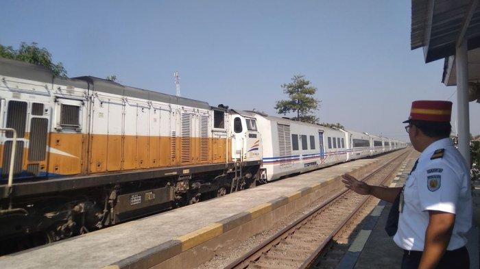 PT KAI Daop 3 Cirebon Pastikan Tak Ada Kereta Api Reguler yang Beroperasi Selama Masa Larangan Mudik