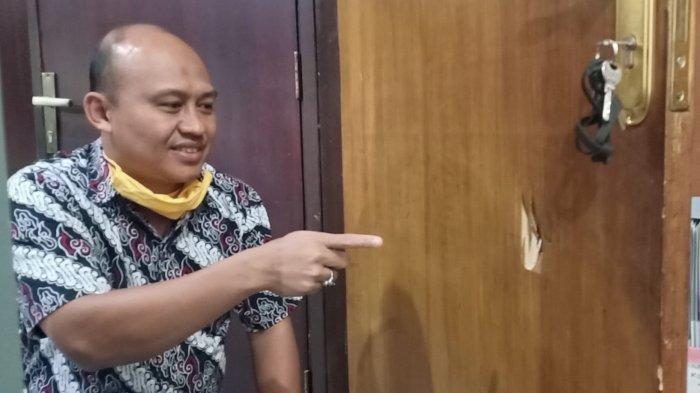 Pintu Ruang Fraksi PKS DPRD Kabupaten Bandung Dirusak, Pelaku Langsung Diseret ke Luar Gedung
