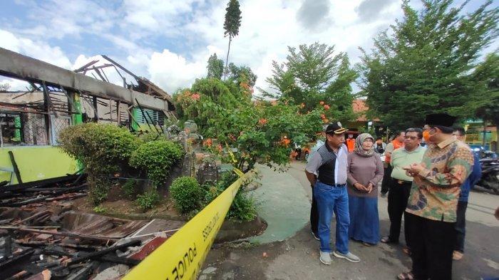 Taufik Hidayat Instruksikan Bangunan SMPN 2 Indramayu yang Terbakar Segera Dibangun Kembali