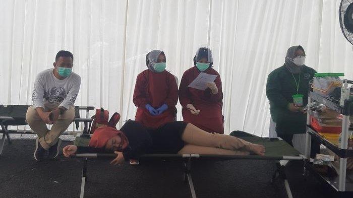 Seorang PNS di Purwakarta Tiba-tiba Rasakan Pusing dan Muntah Seusai Divaksin Covid-19, Efek Vaksin?