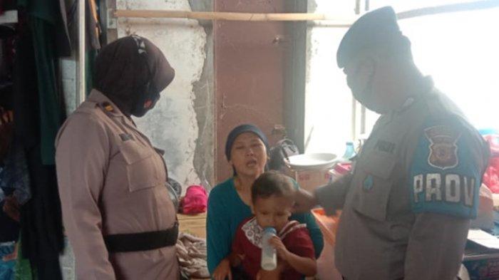 Nenek di Indramayu Keasyikan Belanja Baju Lebaran di Pasar Sandang, Cucunya Hilang, Ditemukan Polisi