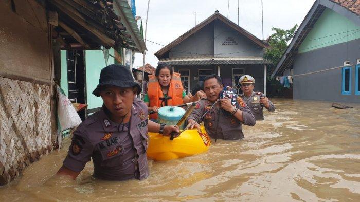 10.000 Lebih Rumah di Karawang Terendam Banjir, Bupati Cellica Tetapkan Status Tanggap Darurat
