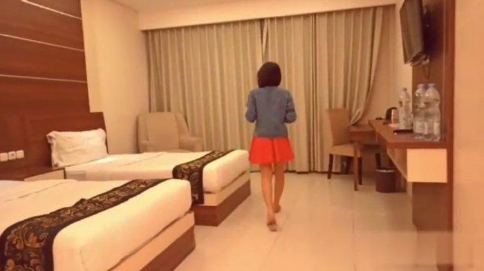 Potongan gambar beredarnya sebuah video syor sebuah pasangan di sebuah kamar hotel