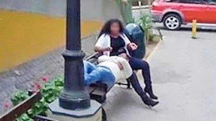 Lagi Buka Google Maps, Pria Ini Malah Lihat Istrinya Berpose Mesra dengan Pria Selingkuhan di Jalan