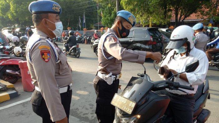 Sebelum Masuk ke Mapolresta Cirebon, Seluruh Personel Dihadang Propam, Ada Apa?