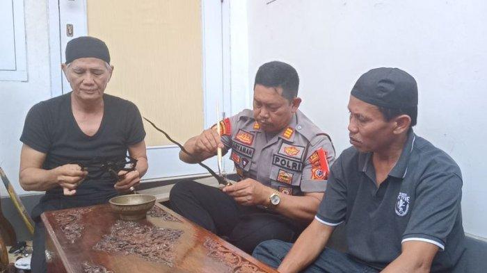 Jelang Hari Jadi Kabupaten Indramayu, Senjata Andalan Raden Bagus Arya Wiralodra Dicuci Pakai Minyak