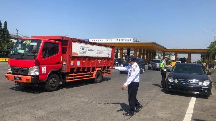 Ratusan Kendaraan Diputar Balik di Tol Pasteur, Selama Ganjil Genap Warga Diminta Tidak ke Bandung