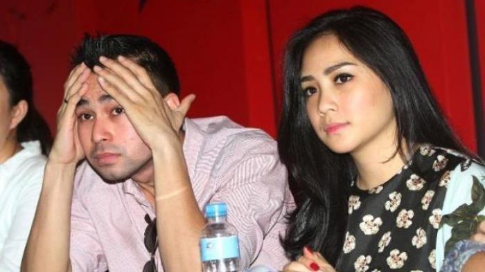 Raffi Ahmad Pamer Kemesraan dengan Nagita Slavina, tapi Ekspresi Nagita Justru Jadi Perbincangan