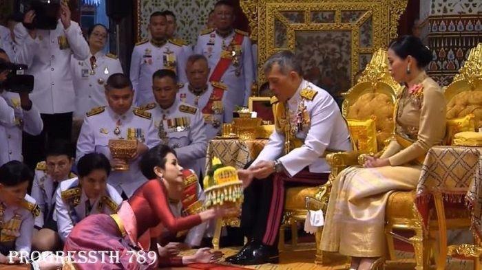 Foto-foto Syur Selir Raja Thailand Tersebar Jumlahnya Ribuan, Diduga Berasal dari Ponsel Sang Selir