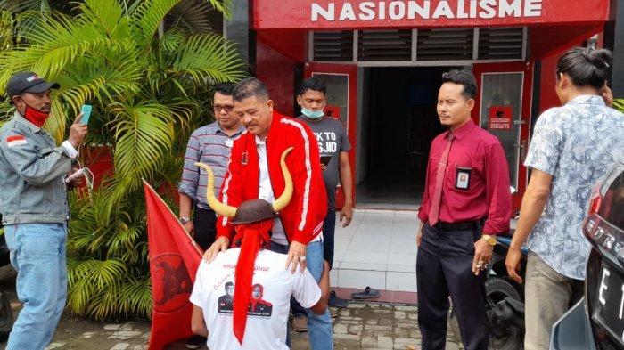 Nina-Lucky Menang, Pria Indramayu Ini Nazar Jalan Kaki dari Perbatasan Subang SampaiCirebon