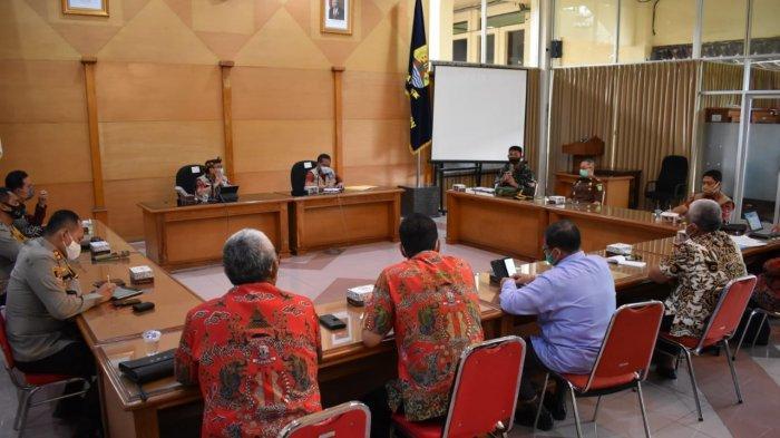 Ada Dua Pedagang Positif Covid-19, Pasar Sumber Cirebon Ditutup Sementara
