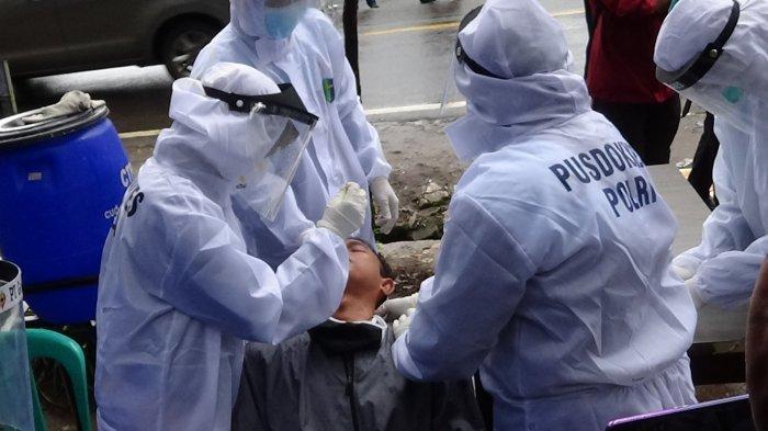 Sejumlah Wisatawan Kawah Putih Bandung Kaget Tiba-tiba Harus Jalani Rapid Test Antigen