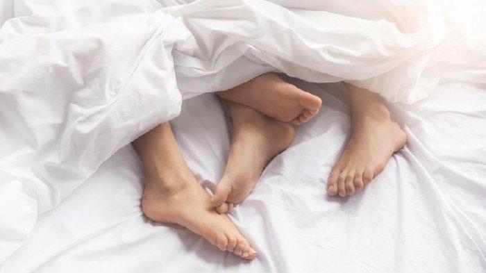Malas Cari Kerja, Ingin Santuy tapi Banyak Duit, Suami Relakan Istri Dicumbu Pria Lain, Asal Bayar