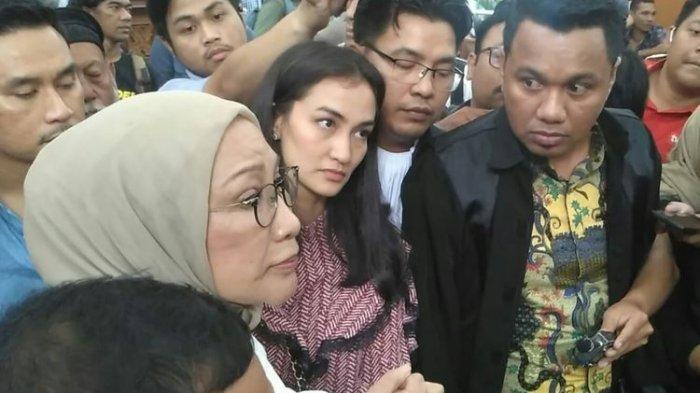 Terbukti Kebohongannya Menimbulkan Keonaran, Ratna Sarumpaet Divonis 2 Tahun Penjara