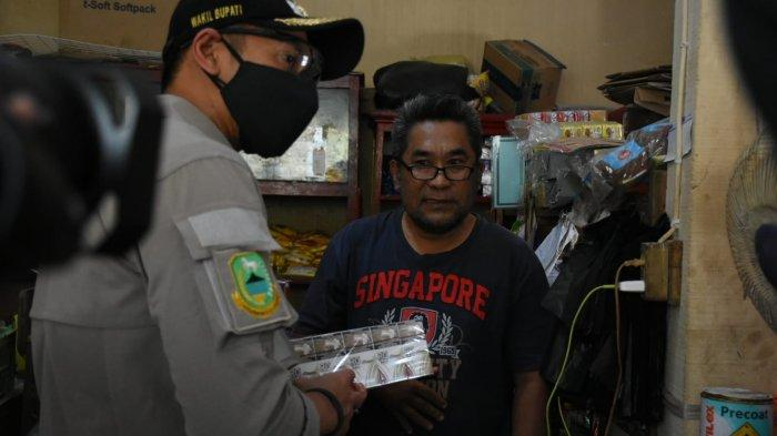 Pemkab Kuningan Bareng Pejabat Bea Razia Rokok Ilegal di Sejumlah Pasar Tradisional se-Kuningan