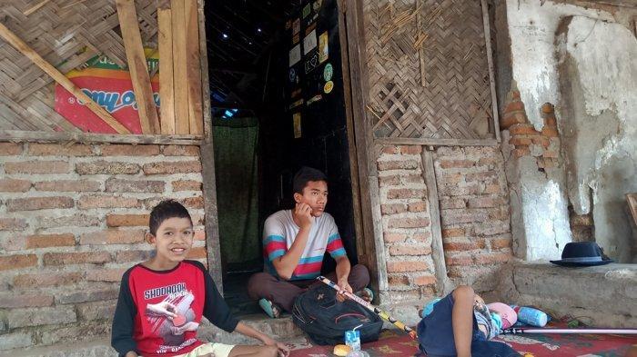 Refi dan Pian, Kakak Beradik Yang Alami Gizi Buruk Ditinggalkan Ibu Kandung Saat Pura-pura Ke Warung