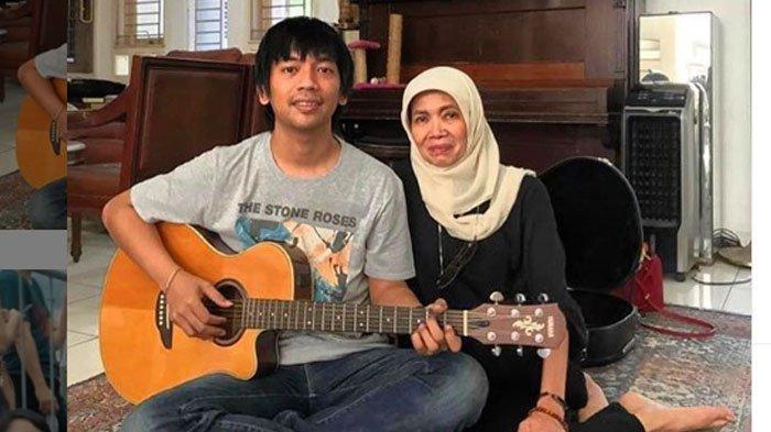 Istri Mendiang Chrisye, Yanti Noor, Meninggal di Cimacan, Titip Gitar Chrisye untuk Rian D'Masiv