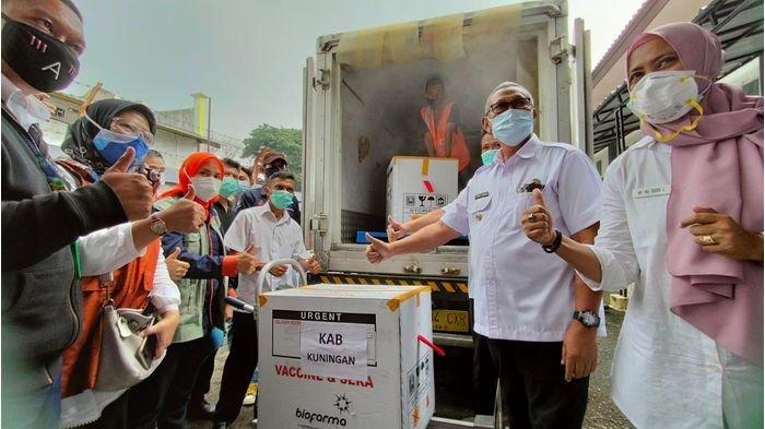 Ribuan Vaksin Covid-19 Tiba di Kuningan, Petugas Satgas Klaim Siap Distribusikan ke 15 Puskesmas