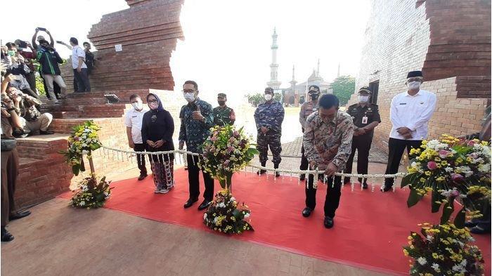 Kabar Gembira: Ridwan Kamil Resmikan Alun-Alun Kejaksan Kota Cirebon, Gubernur Titipkan Hal Ini
