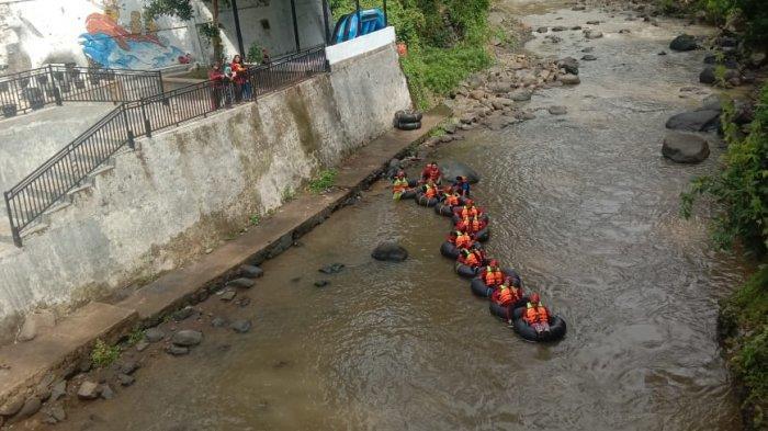River Tubing untuk Isi Liburan Akhir Pekan di Kuningan, Memicu Adrenalin di Sungai Cisanggarung
