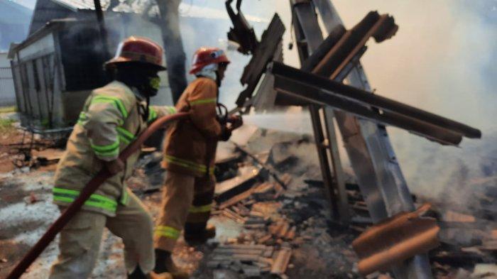 Rumah Makan di Kampung Sasak KBB Ludes Terbakar, Pemilik Alami Kerugian Rp 50 Juta
