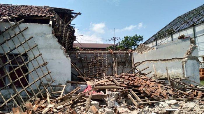 Orang Tua Murid SDN Burujul Wetan II Khawatir, Anaknya Jadi Korban Tertimpa Bangunan Ambruk