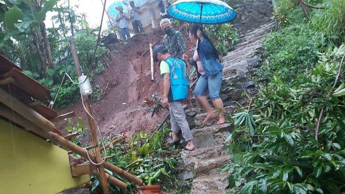 Seorang Warga Ciamis Tewas Tertimpa Reruntuhan Rumah Yang Ambruk Diterjang Longsor
