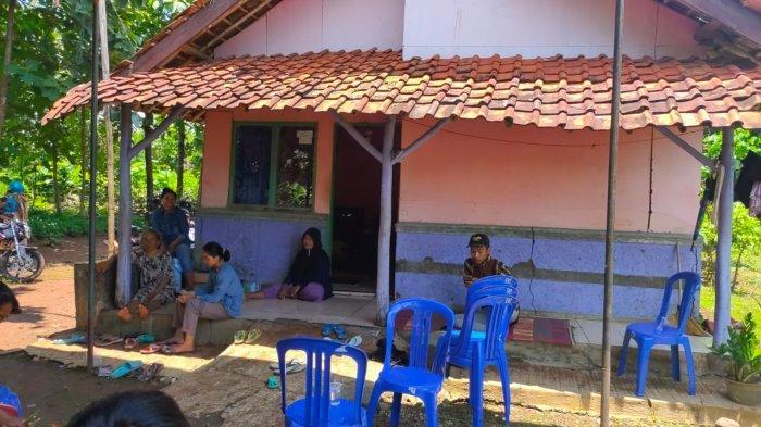Istri dan Ibu Korban Tenggelam di Sungai Cimanuk Majalengka Berharap Tubuh Korban Segera Ditemukan