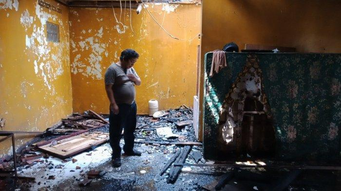 Asik Mangkal Driver Ojol Ini Kaget Mobil Pemadam Masuk Kampungnya, Ternyata Rumahnya Hangus Terbakar