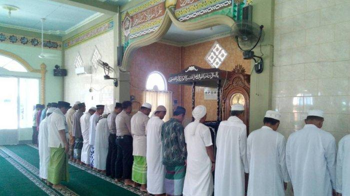 Ingin Salatkan Umat Muslim Yang Tak Ada di Tempat, Ini Niat dan Doa Salat Gaib Beserta Tata Caranya