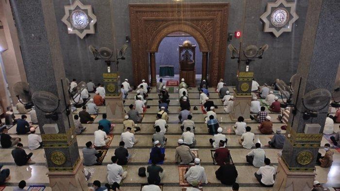 Tata Cara dan Niat Shalat Tarawih Sendirian dan Berjamaah, Lengkap Dengan Doa Kamilin