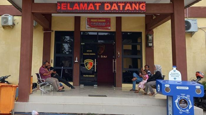 Suasana Satreskrim Polres Subang tempat undangan dari keluarga korban perampasan nyawa ibu dan anak di Subang, Rabu (6/10/2021).