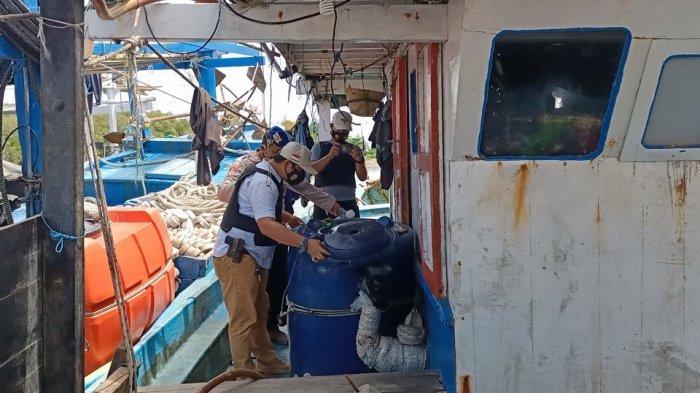 Kapal-kapal di Pelabuhan di Indramayu Disidak Polisi, Cegah Peredaran Narkotika Dari Jalur Laut
