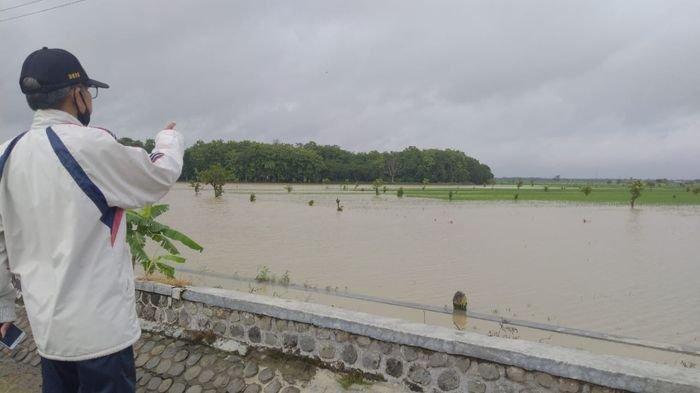 Ribuan Butir Telur Disalurkan ke 5 Kecamatan Terdampak Banjir di Majalengka