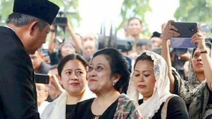 Kesejukan Saat SBY dan Megawati Berjabat Tangan dan Tersenyum Walau Dalam Suasana Duka