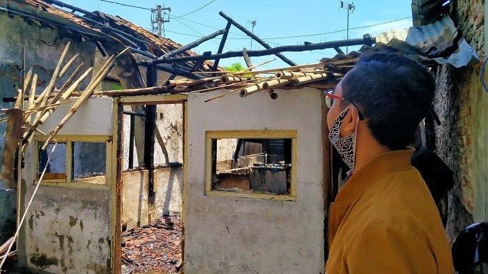 3 Rumah di Kawasan Padat Penduduk Indramayu Terbakar, Satu Rumah Ludes Dilahap Si Jago Merah